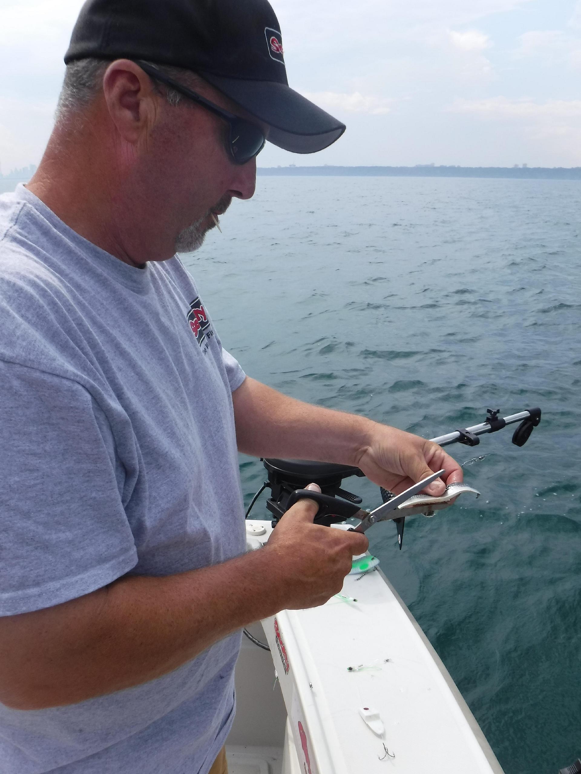 Richardson prepping bait