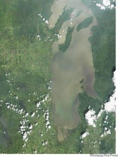 Lake Winnipeg in serious ecological trouble, says new report
