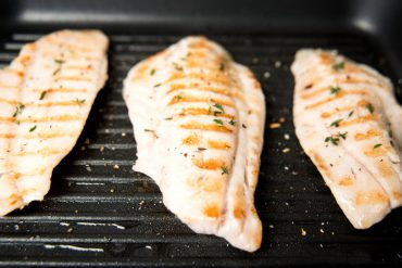How to know when fish is fully cooked