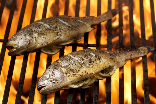 How to grill fish whole