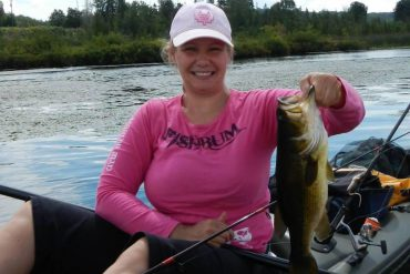 New Canadian fishing group targets female anglers
