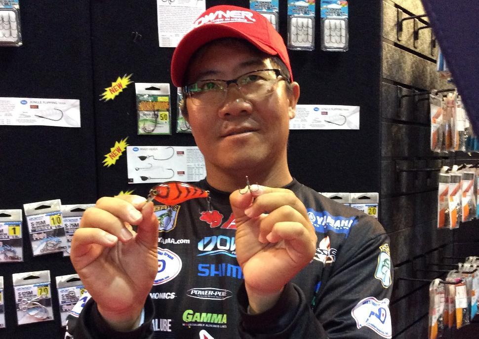 Bassmaster Elite angler Kota Kiriyama with the S-Wide Gap crankbait treblehook from Owner