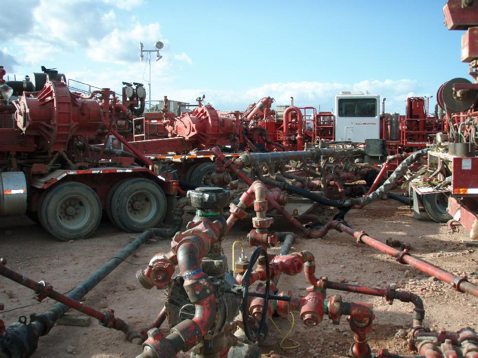 Halliburton fracturing operation in North Dakota's Bakken Formation. Credit: Joshua Doubek.