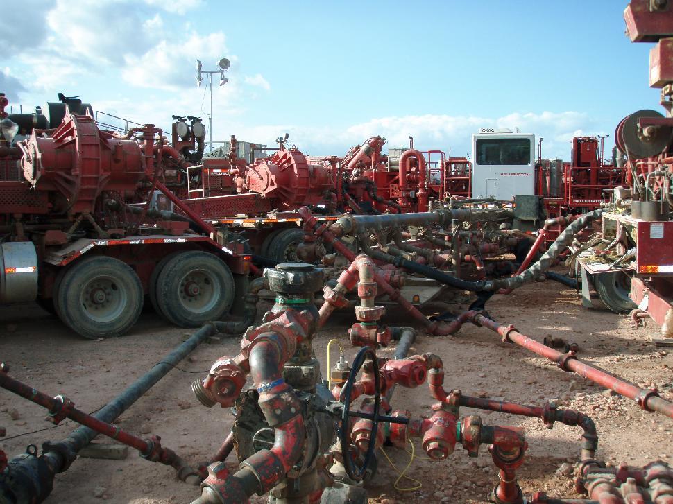 Halliburton fracturing operation in North Dakota's Bakken Formation. Credit: Joshua Doubek.