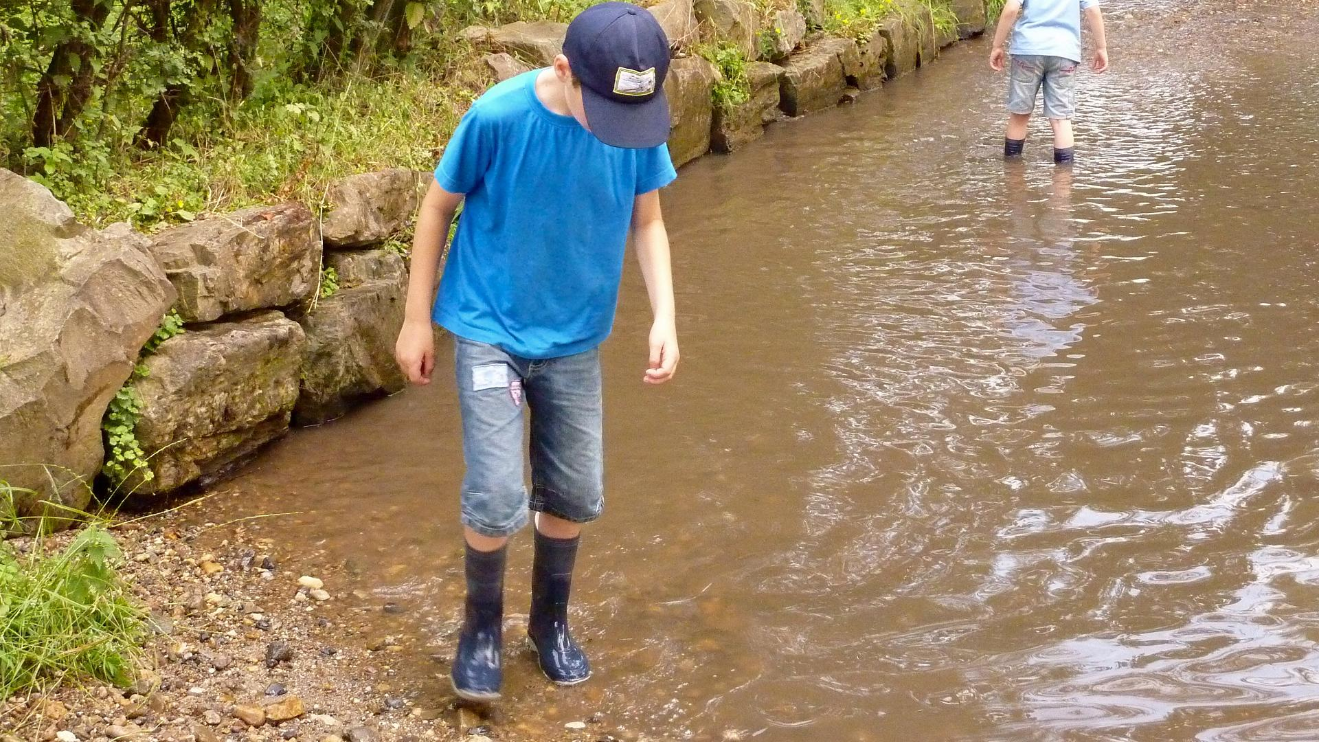 Blue Fish Radio: Why shorelines are better for your kids than playgrounds